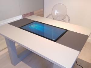 mesa tactil personalizada clinicas moonz1