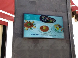 pantalla publicitaria de exterior 55